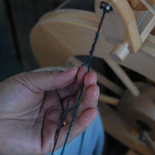 A Spinner's Introduction to Plying -  ()