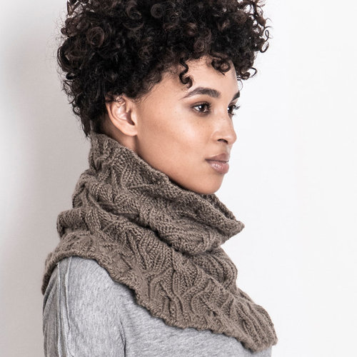 Blue Sky Fibers Clarissa Cabled Cowl PDF -  ()