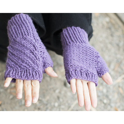 Cascade Yarns C299 Birch Creek Fingerless Mitts & Hat (Free) -  ()