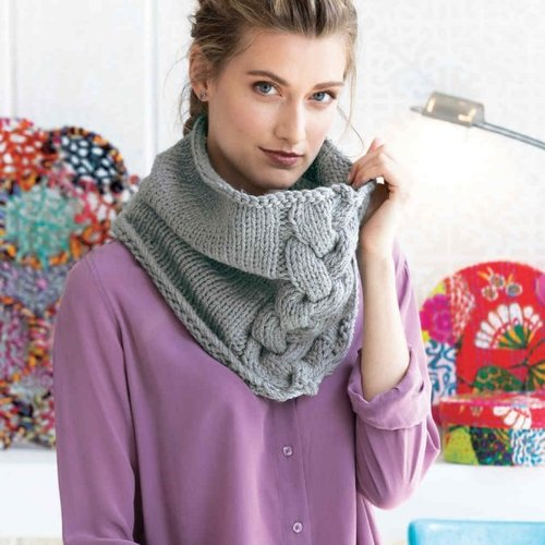 Cascade Yarns Comfy Cabled Cowl Kit - Silvery Gray - Model (1)