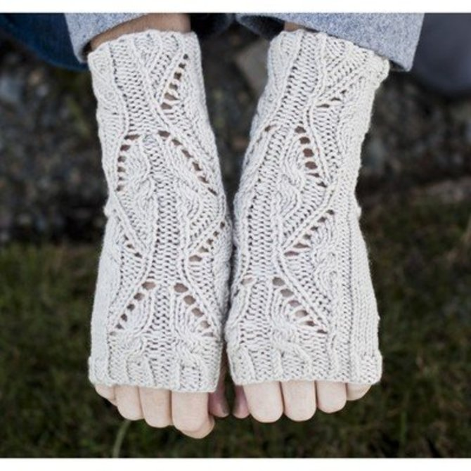 Cascade Yarns Dk337 Lace And Cable Fingerless Gloves Free At Webs