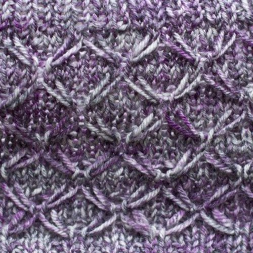 Cascade Yarns W617 Purple Thistle Cowl (Free) -  ()