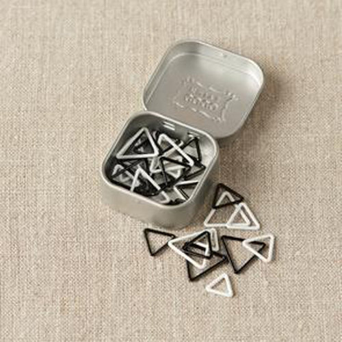 Cocoknits Black & White Triangle Stitch Markers - Original (Fits Up To US sizes 6, 9, 11) (ORIG)