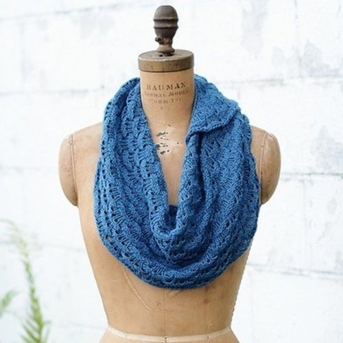 Curls: Versatile, Wearable Wraps To Knit At Any Gauge eBook -  ()