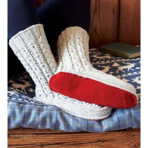 Debbie Bliss Cabled Slipper Socks PDF -  ()