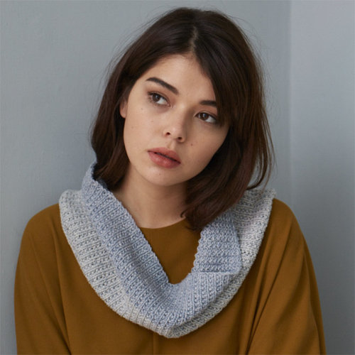 Debbie Bliss Two Tone Denim Cowl (Free) -  ()