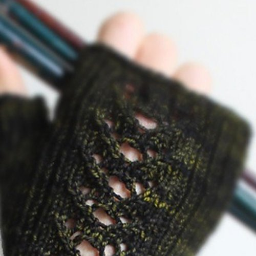 East London Knits Twilight Flowers Mitts PDF -  ()