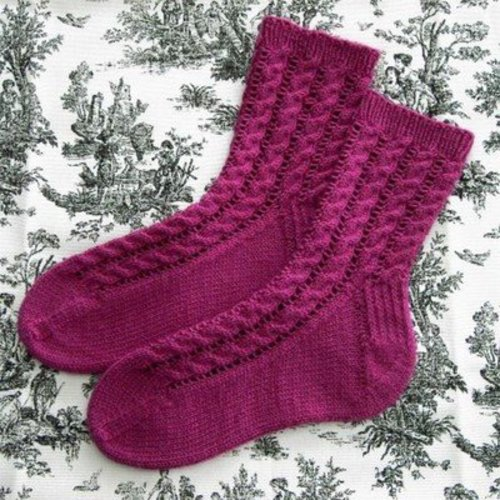Figheadh Yarnworks Cable & Lace Socks PDF -  ()