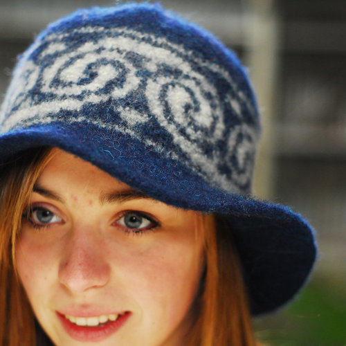 Jen Hagan Design Swirl Felted Bucket Hat PDF -  ()