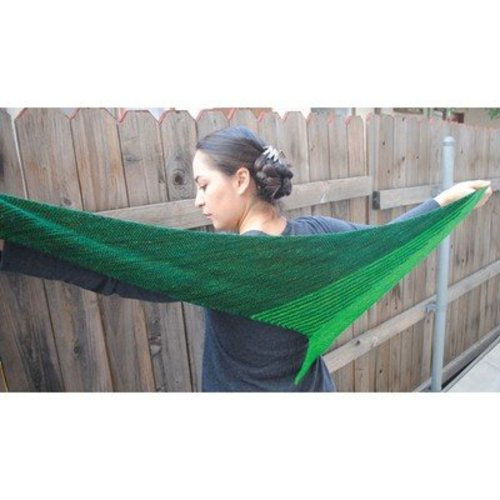 Grace Akhrem Striped Tooth Shawl PDF -  ()