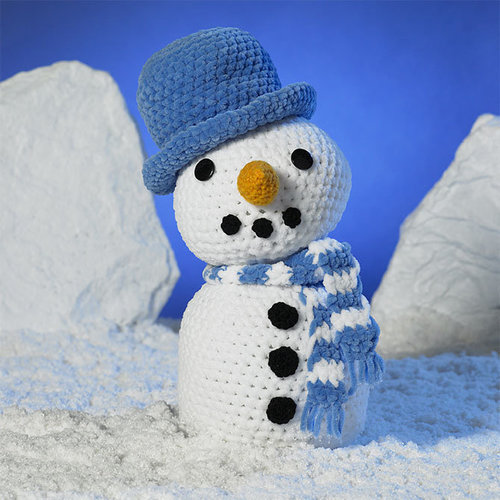 James C. Brett JB406 Frosty the Snowman Kit - Model (01)