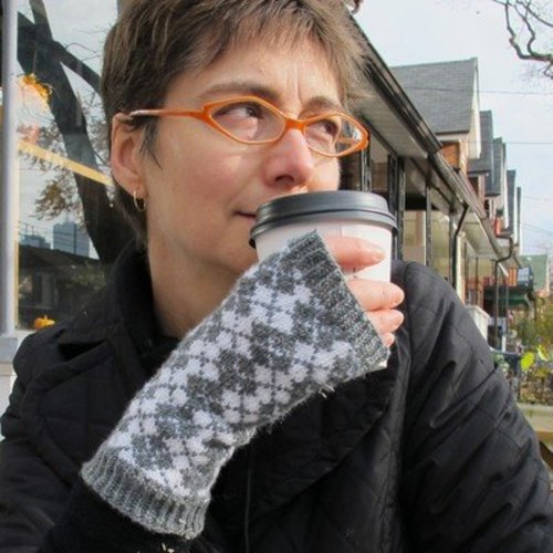 Kate Atherley Campbell Glen Fingerless Mitts PDF -  ()
