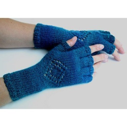 Kira K. Designs Medallion Gloves PDF -  ()