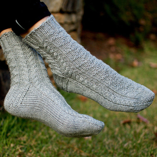 Kirsten Kapur Designs Avenue D Socks PDF -  ()