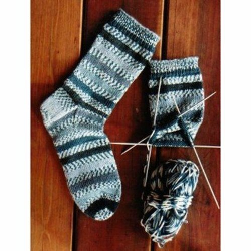 Knitting Pure & Simple 242 Beginner's Mid-weight Socks -  ()