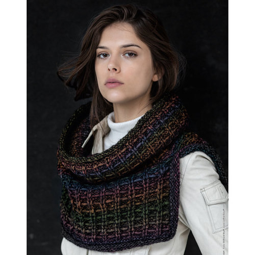 Lana Grossa 16 Hooded Cowl in Piuma PDF -  ()