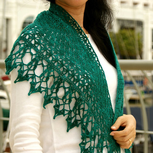 Lily Go Piquant Crocheted Shawl PDF -  ()
