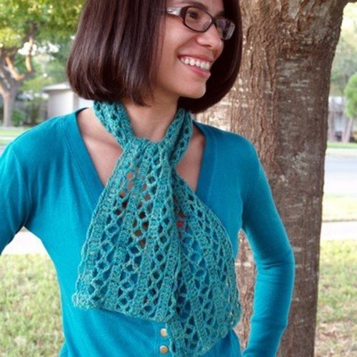 Linda Permann Diamond Lace Scarf PDF -  ()