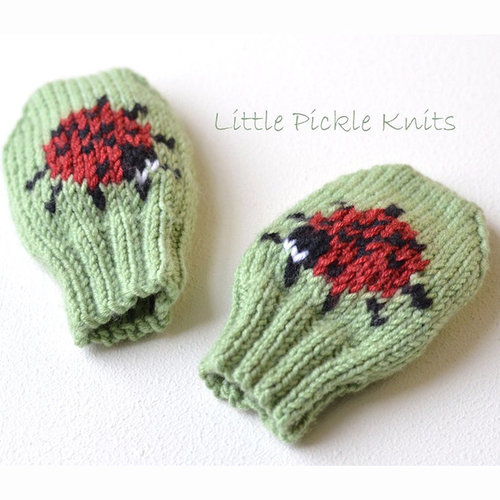 Little Pickle Knits Little Ladybird Baby Mitts PDF -  ()