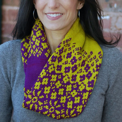 Lyrical Knits Fractured Fairy Tale Cowl PDF -  ()