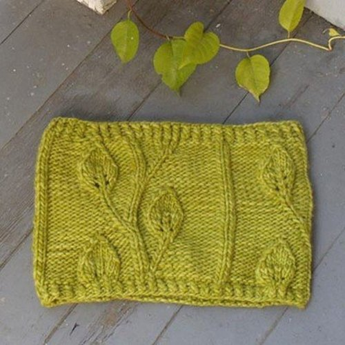 Nina Machlin Dayton Tuscan Leaves Cowl PDF -  ()