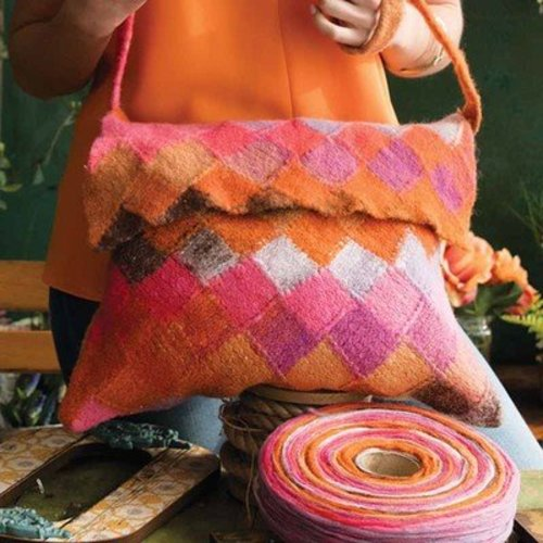 Noro Felted Entrelac Bag PDF -  ()