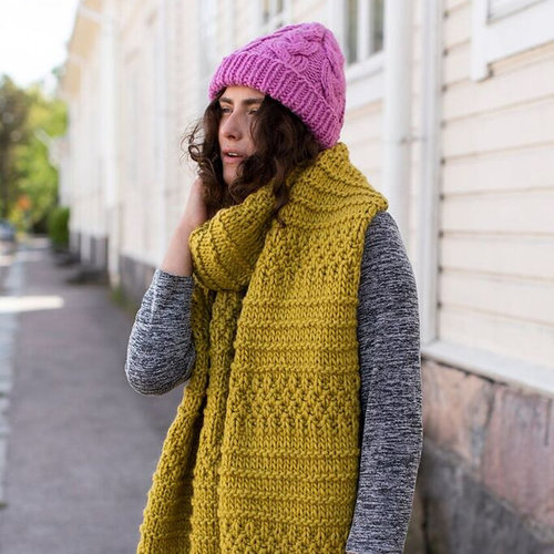 Novita Cabled Hat in Hygge (Free) -  ()
