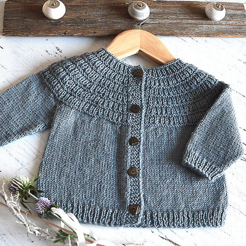 OGE Knitwear Designs P135 Raven Fall Cardigan PDF -  ()