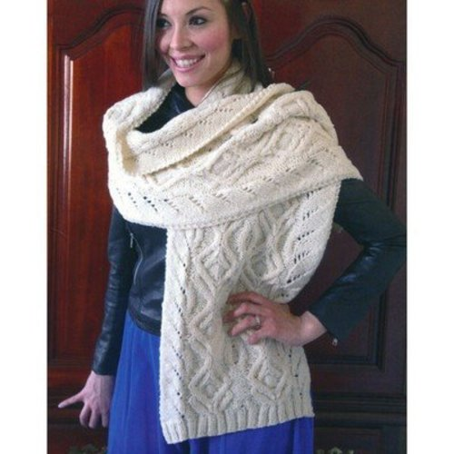 Plymouth Yarn 2878 Cabled Shawl -  ()