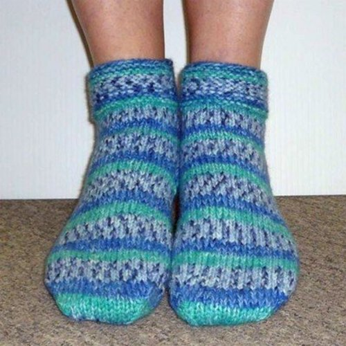 Plymouth Yarn F227 Encore Worsted Ladies Slipper Socks (Free) -  ()