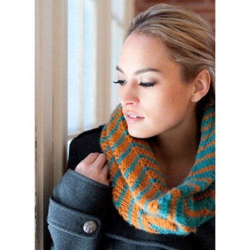 Plymouth Yarn F551 Chevron Tube Cowl (Free) -  ()