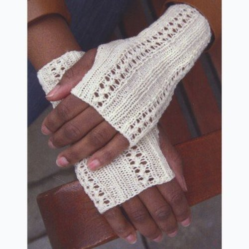 Plymouth Yarn F641 Lacey Fingerless Gloves (Free) -  ()