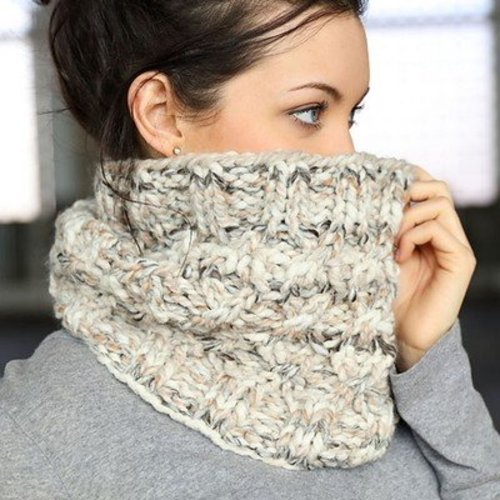 Plymouth Yarn F716 Cabled Cowl (Free) -  ()