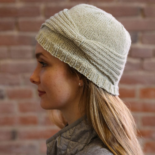 Plymouth Yarn F911 Moon Shadow Cloche Hat (Free) -  ()