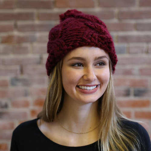 Plymouth Yarn F921 Plymouth Bay Cable Hat (Free) -  ()