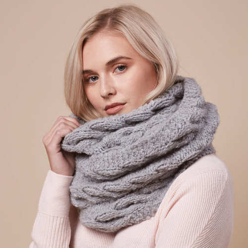 Rowan Cabled Scarf (Free) -  ()