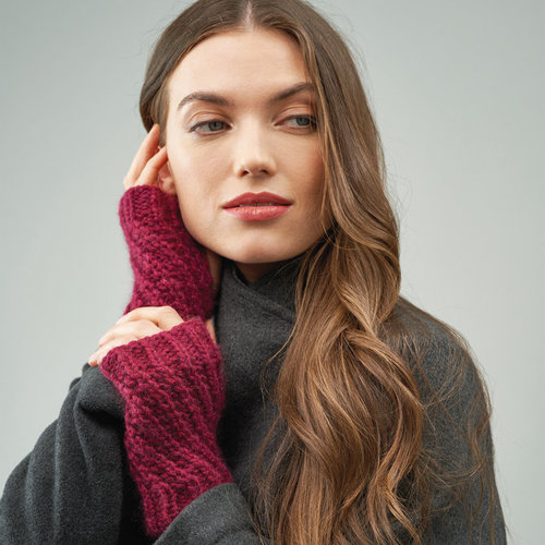 Rowan Margot Wrist Warmers (Free) -  ()