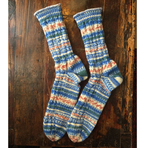 Schachenmayr Socks in Cable Pattern (Free) -  ()