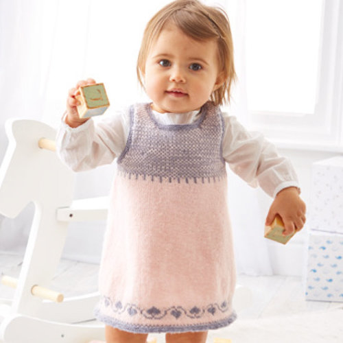 Sirdar 5301 Pinafore and Shoes in Snuggly 100% Merino PDF -  ()