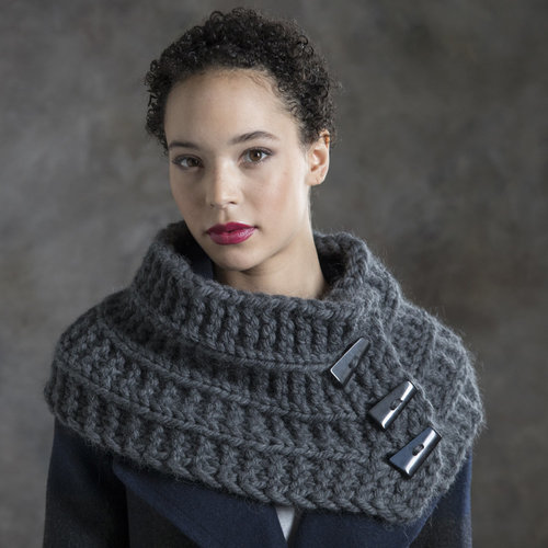 Tahki Yarns Laurel Buttoned Cowl Kit - Model (01)