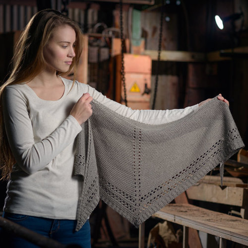 The Fibre Co. Eyelet Shawl PDF -  ()