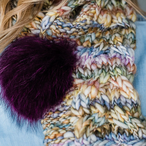Trendsetter Yarns 5902D Me Cabled Pull Through Scarf & Pom Pom PDF -  ()