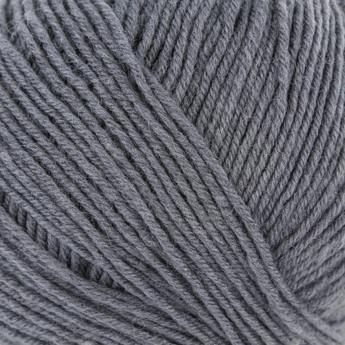 Universal Yarn Bella Cash - Graphite (110)