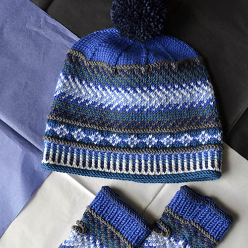Universal Yarn Blue Shift Hat & Mitts Color Kit - Blues (BLUE)
