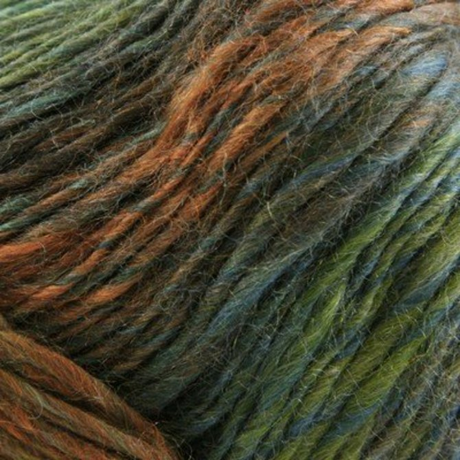 :Classic Shades #711: Universal Yarn superwash wool blend Grapevine