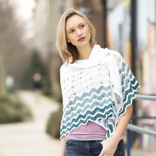 Universal Yarn Gradiate Shawl Kit - White Version (2)
