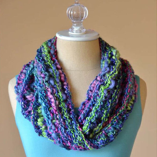 Universal Yarn One Side Cowl (Free) -  ()