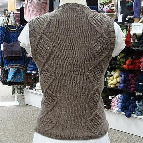Valley Yarns 178 Greenwood Cabled Vest -  ()
