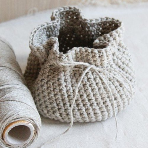 Valley Yarns 595 Crocheted Linen Basket (Free) -  ()