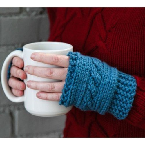Valley Yarns 610 Cabled Hand Warmers (Free) -  ()